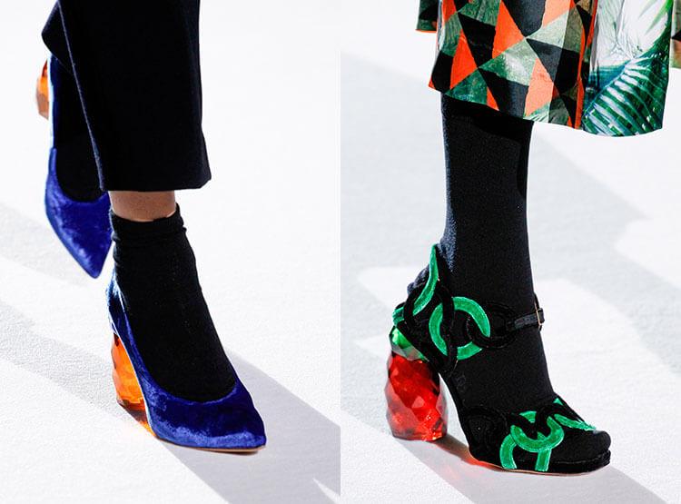 Sapatos festivos com salto médio